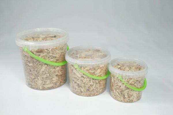 Zirben Hackschnitzel im Eimer, Zirbenflocken, Zirbenholz